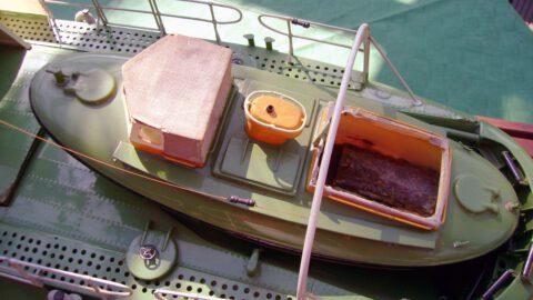 Tochterboot eingeklebt