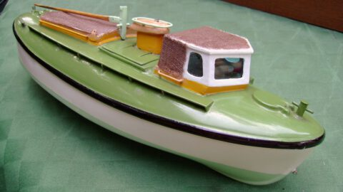 Tochterboot fertig